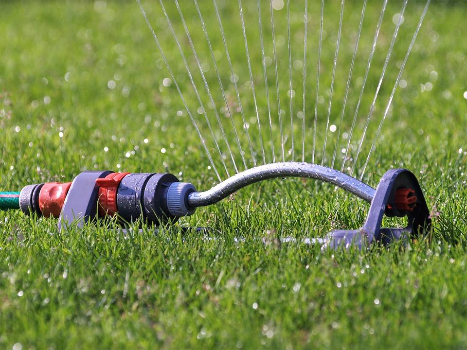 Sproei Installatie Tuin : Het aanleggen van een sproei installatie tuinierservice
